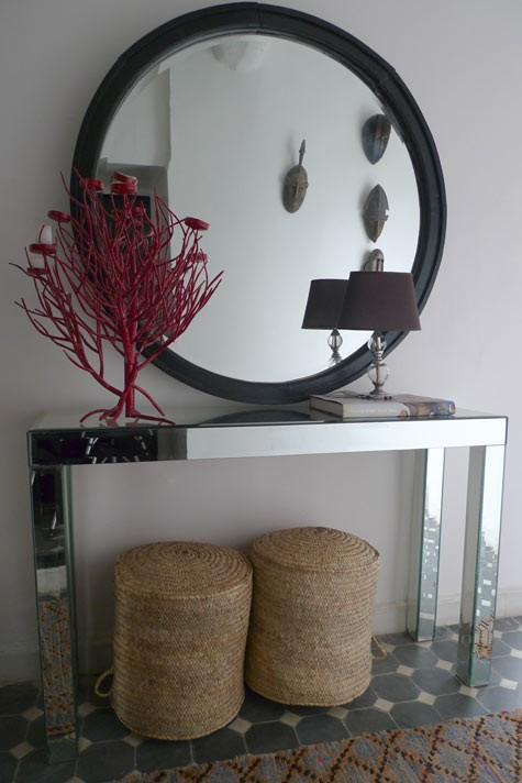 In Search Of The Perfect Round Mirror Driven By Decor