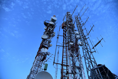 5G technology enabled mobile / cell phones - What, When, Who and Where ?