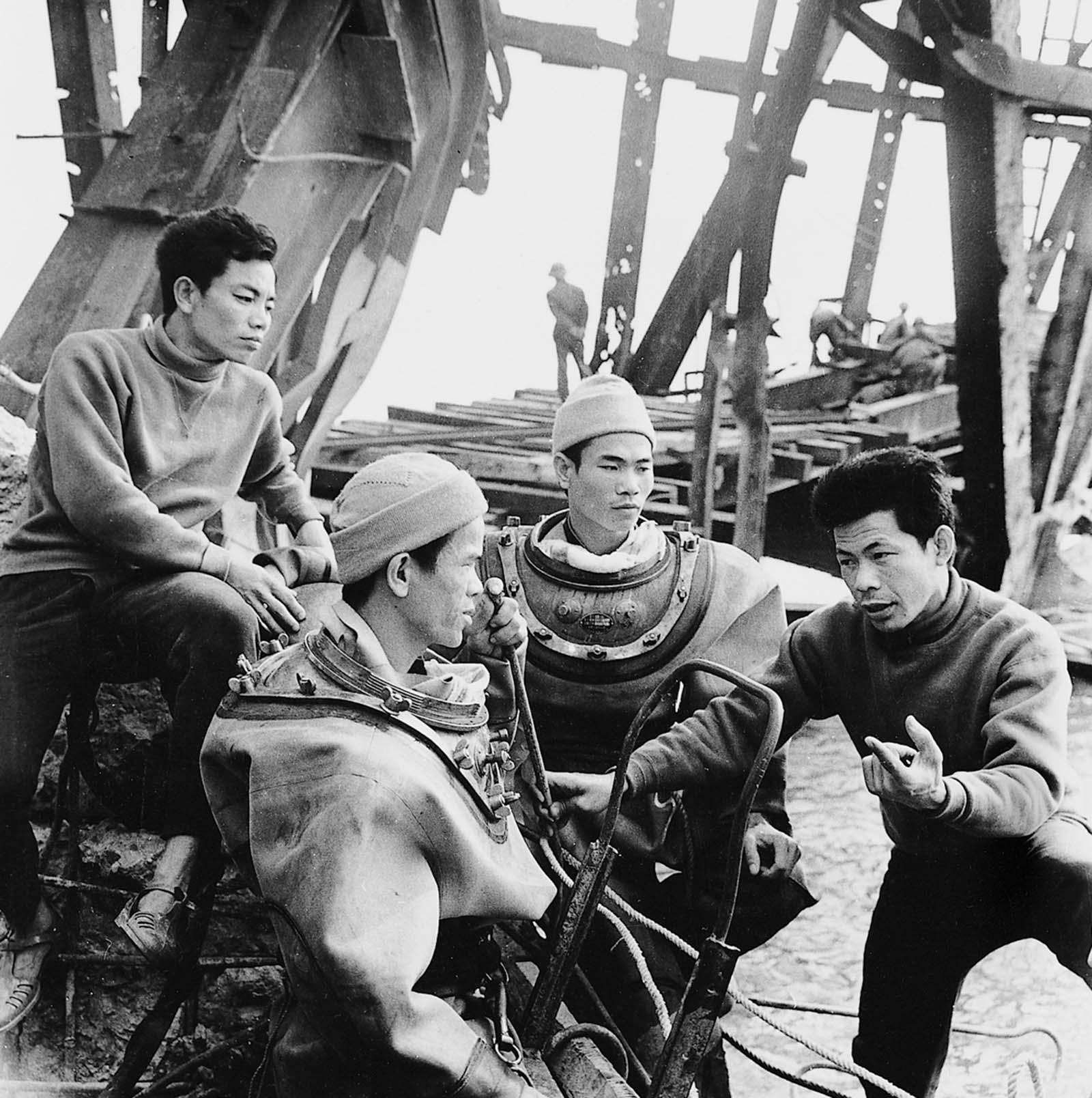 vietnam war images from vietnamese photographers