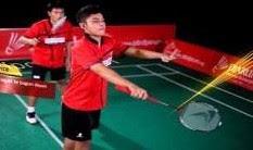 backhand service badminton