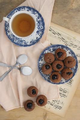 Cuillère et saladier : Mini moelleux chocolat au lait et cerises amarena (vegan)