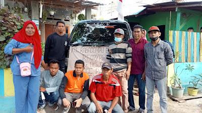 Warga RT 07 Rabadompu Barat Kota Bima, Bantu Korban Kebakaran Di Sape