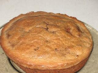 Вишневый кекс с орехами