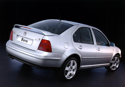 Volkswagen Bora V6 4Motion Sport added bigger wheels and rear spoiler in 2004