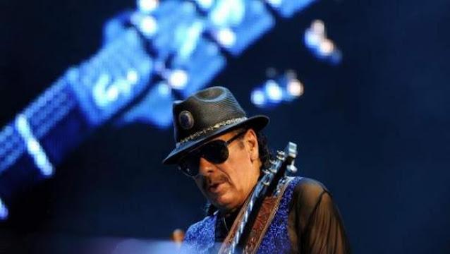 El músico estadounidense de origen latino, Carlos Santan