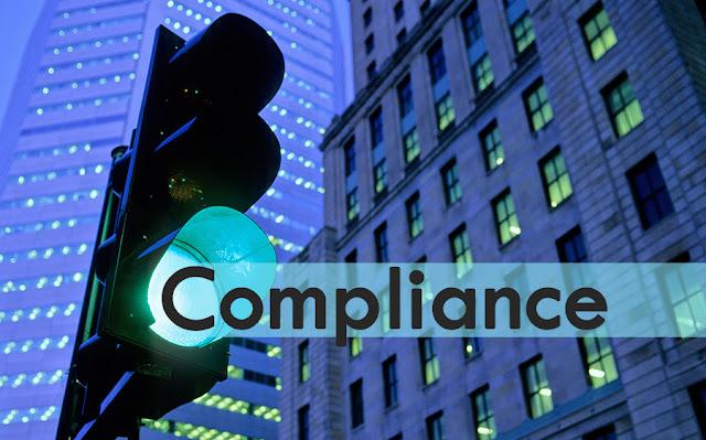 """Imagen alegorica, semaforo de cuya luz verde surge la leyenda """"Compliance"""""""