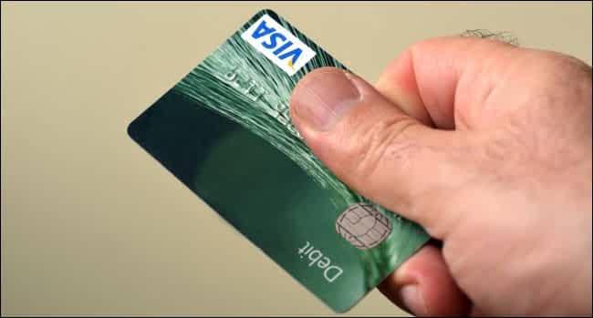 chiedere lo storno dell'addebito ad una carta di debito