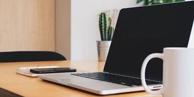 Cara Aman dan Mudah Membersihkan Keyboard Laptop