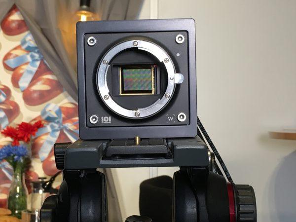 Байонетное крепление совместимо с камерами RED