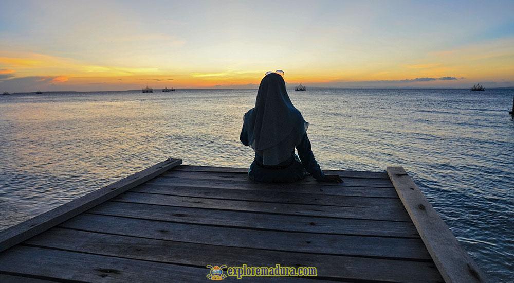 sunset di pantai sembilan sumenep madura