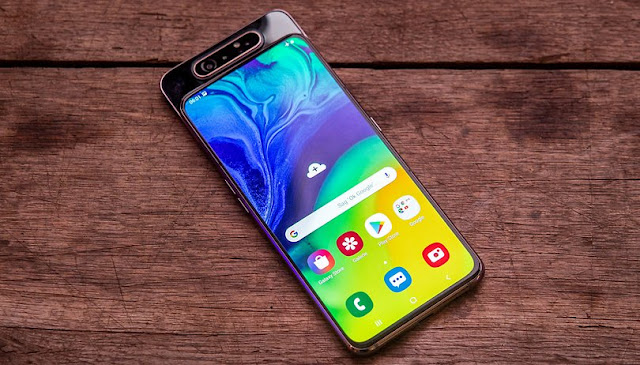 Layar Super AMOLED Samsung Galaxy A80