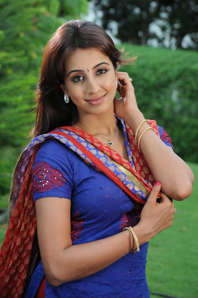 Vijay Cute Wallpapers Sanjana Latest Stills