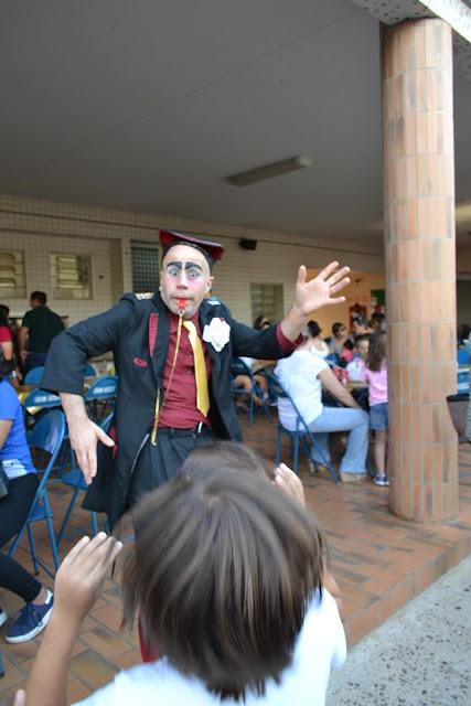 Atrações de Humor e Circo para recepção de evento da semana das crianças.