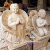Patung angel batu alam putih atau krem