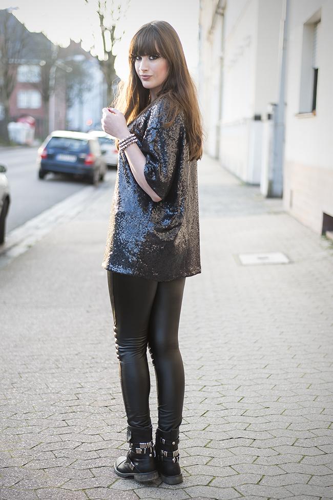 Modeblog-Deutschland-Deutsche-Mode-Mode-Influencer-Andrea-Funk-andysparkles-Berlin-Pailetten-Shirt-Lederleggings