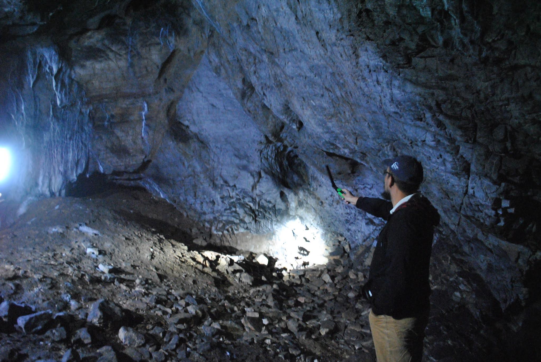 poza peșteră
