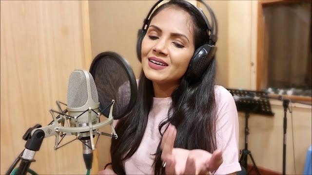 Amathaka Karanna Bari Tharam Song Lyrics - අමතක කරන්න බැරි තරම් ගීතයේ පද පෙළ