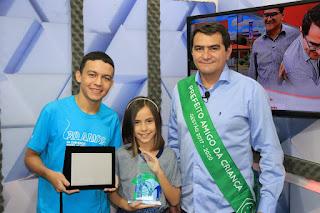 Em Picuí, Olivânio Remígio (PT), recebe premiação de prefeito amigo da criança