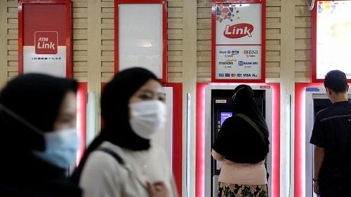 Pengamat Sebut Pengenaan Biaya di ATM Link Turunkan Citra Bank Himbara
