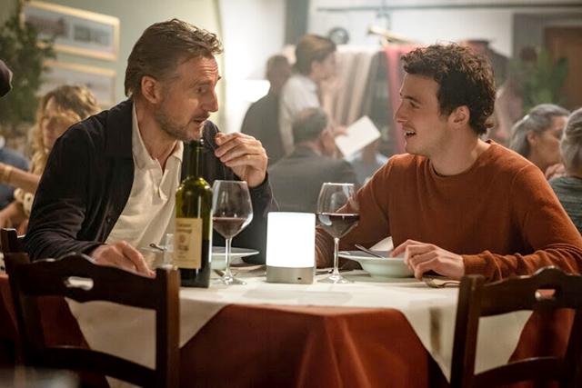 """CINEMA: Liam Neeson contracena com seu filho na comédia-dramática DE """"De Volta à Itália"""" (COM VÍDEO)"""