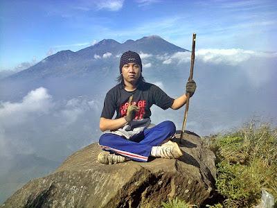 Tanya Jawab Seputar Hiking dan Pendakian Gunung di Indonesia