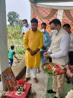 विधायक के हस्ते हुआ श्री राम मंदिर का भूमिपूजन