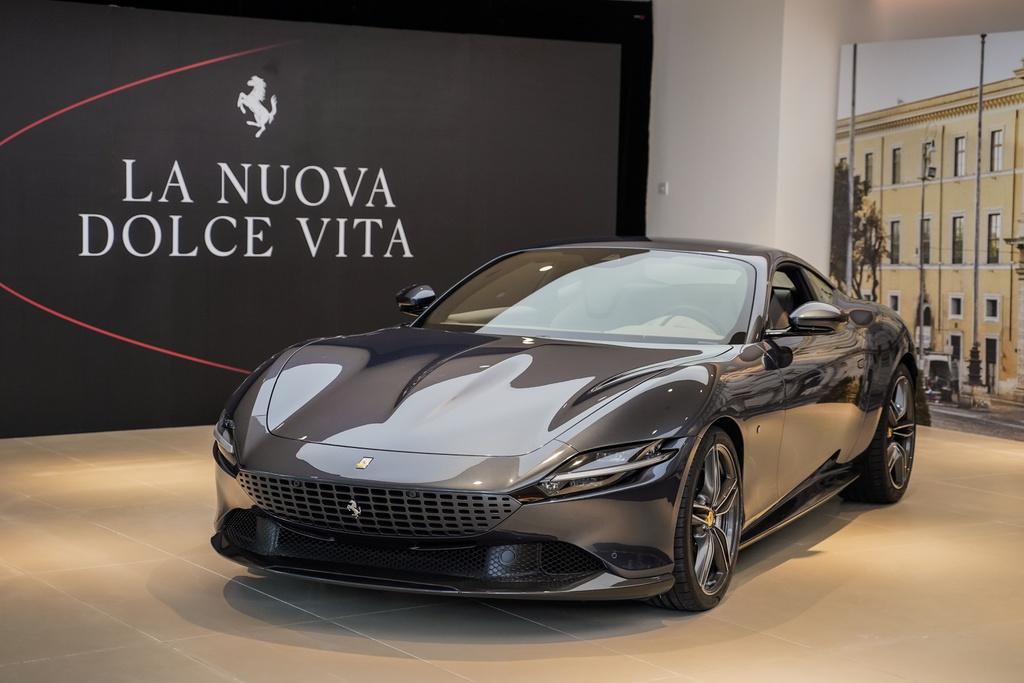 Ferrari Roma trình làng tại ĐNÁ - siêu ngựa mềm mại giá từ 226.379 USD