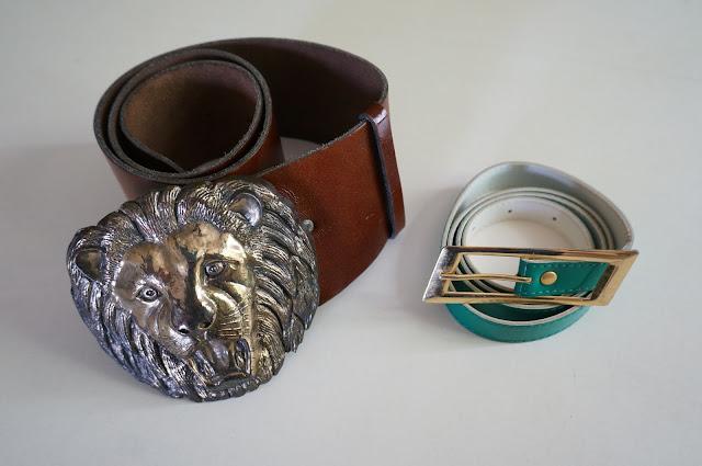 une deuxième ceinture lion ( 3 ans plus tôt ici ) - une ceinture fine en vinyl vert  lion head wide belt buckle - green vinyl belt