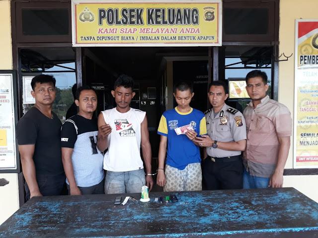 Dua Pemuda Ditangkap Kepolisian Saat Melintas Mapolsek Keluang
