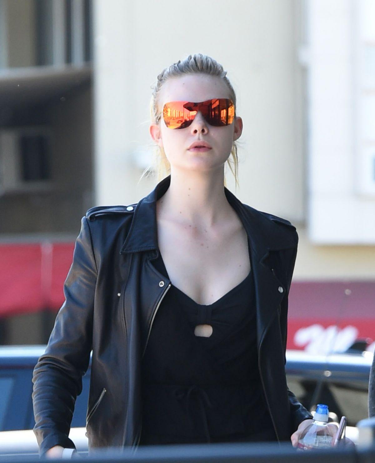 Elle Fanning Glasses