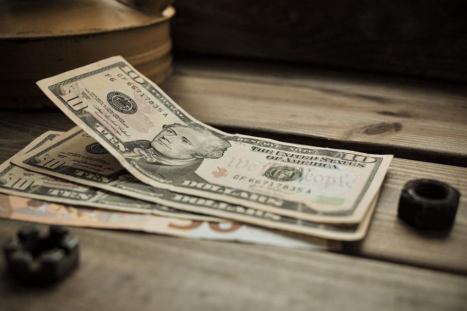 Финансовые привычки, которые стоит завести в новом 2021 году