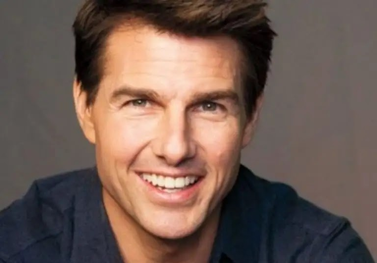 """Tom Cruise buys """"robots"""" at exorbitant prices for fear of Corona"""