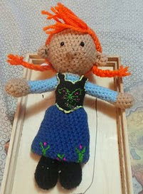 http://www.ravelry.com/patterns/library/anna-from-frozen