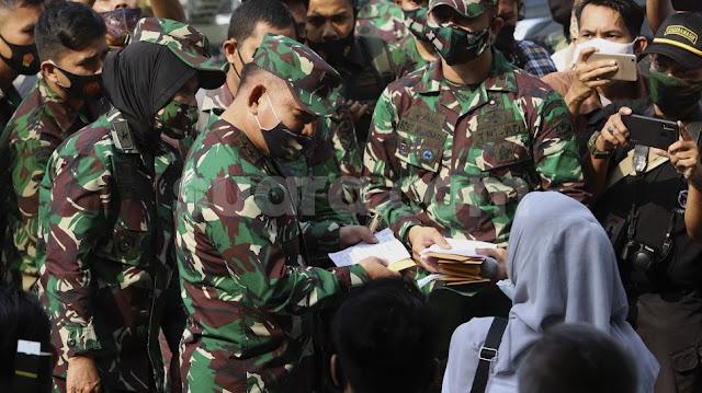 Pangdam Jaya Gelontorkan Rp594 Juta Ganti Rugi Korban Penyerangan Polsek Ciracas
