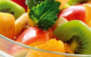 meyve salatası nefis yemek tarifleri meyve salatası tarifi almanca cikolatali meyve salatası nasıl yapılır bisküvili meyve salatası meyve salatası tarifi krem şantili ballı meyve salatası