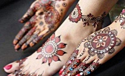 Gambar Henna Di Kaki Yang Simple