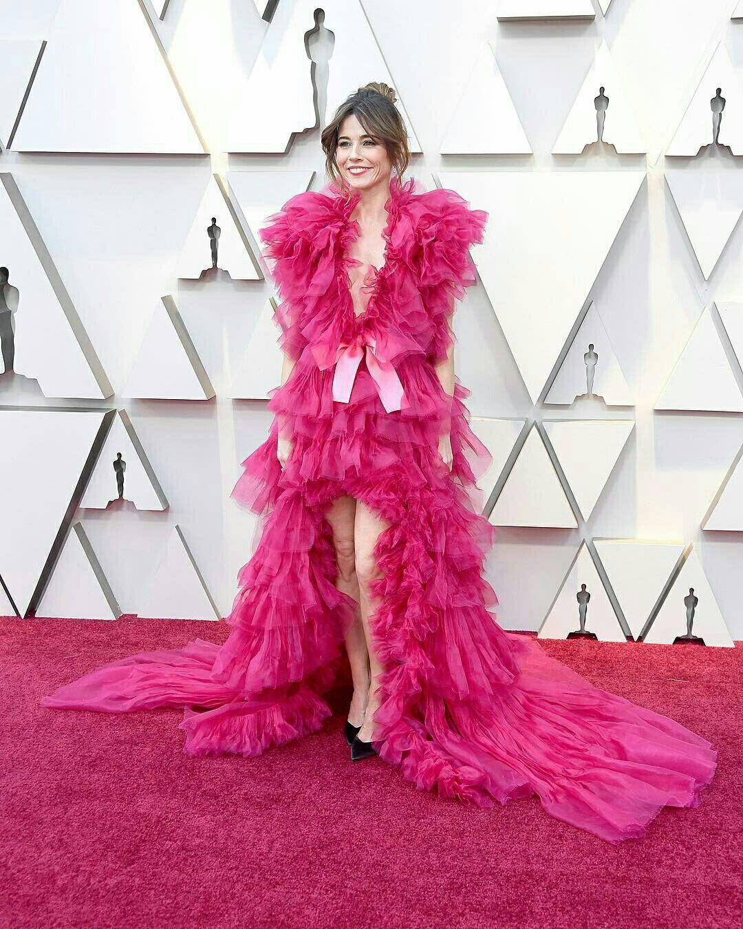 Deu rosa: Os vestidos cor de rosa do Oscar 2019