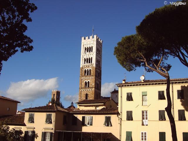 Il campanile bicolore del Duomo di San Martino di Lucca