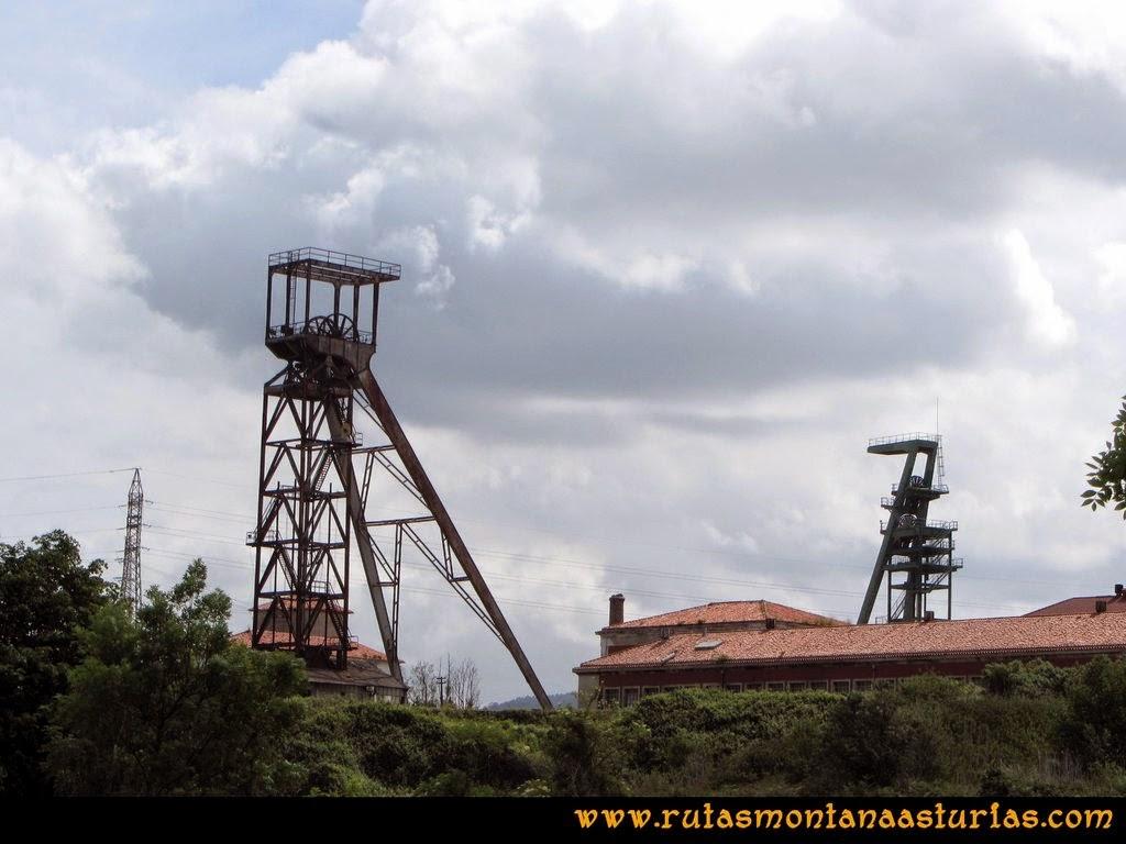 Senda Verde Camocha - Pico Sol - Piles: Castillete de la mina de la Camocha
