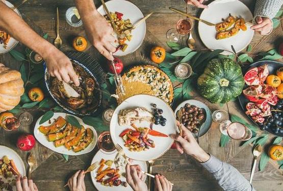 Tidak Berlebihan Ketika Makan Sahur dan Berbuka