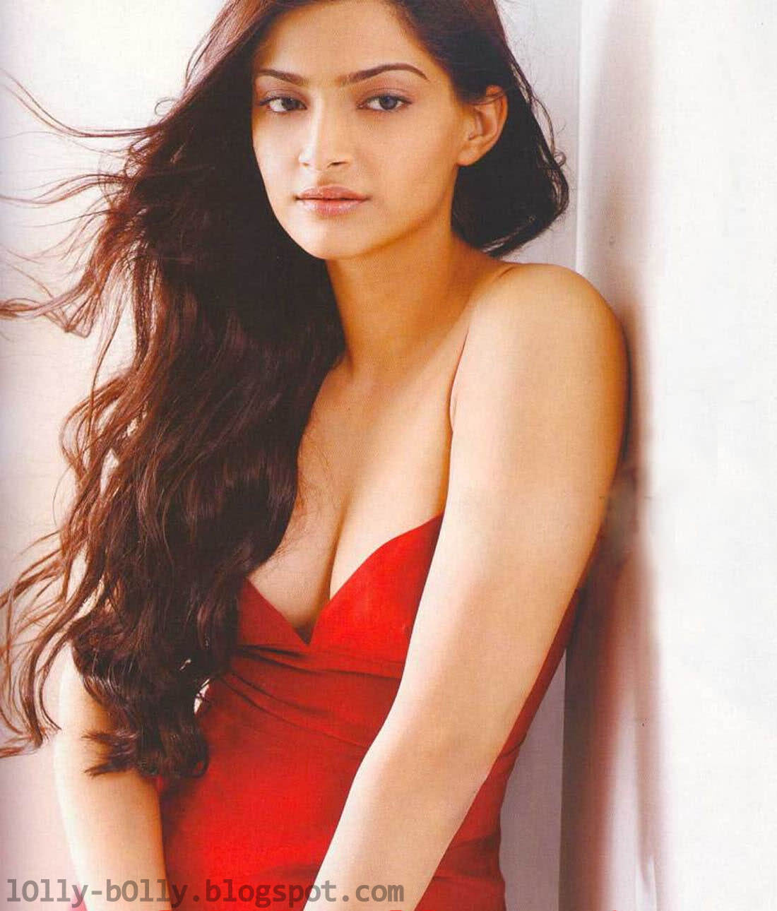 Naked Pictures Of Sonam Kapoor