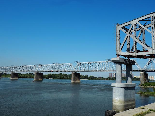 Новосибирск, железнодорожный мост через Обь (Novosibirsk, railway bridge across the Ob)