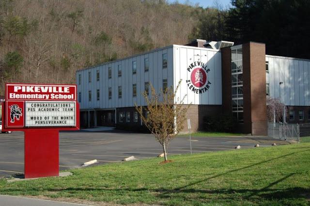 Escola cancela orações em cerimônias de formatura após reclamação de grupo ateu