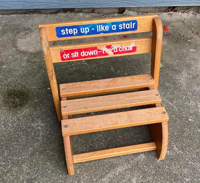 Photo of a folding chair/stepstool