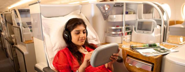 Passager sur siège spacieux avec tablette tactile
