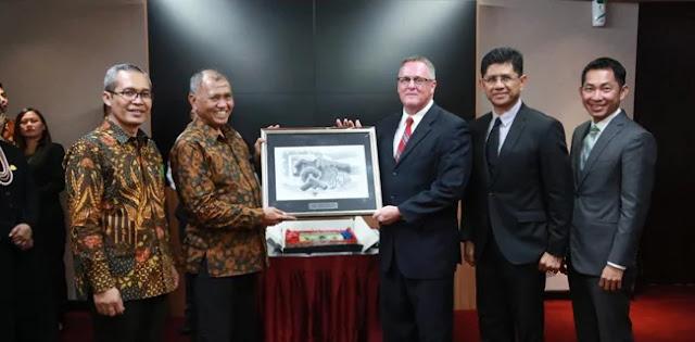 8 Penyidik Dan Jaksa KPK Terima Penghargaan Dari Kedutaan Amerika