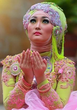 Contoh Model Kebaya Modern Hijab