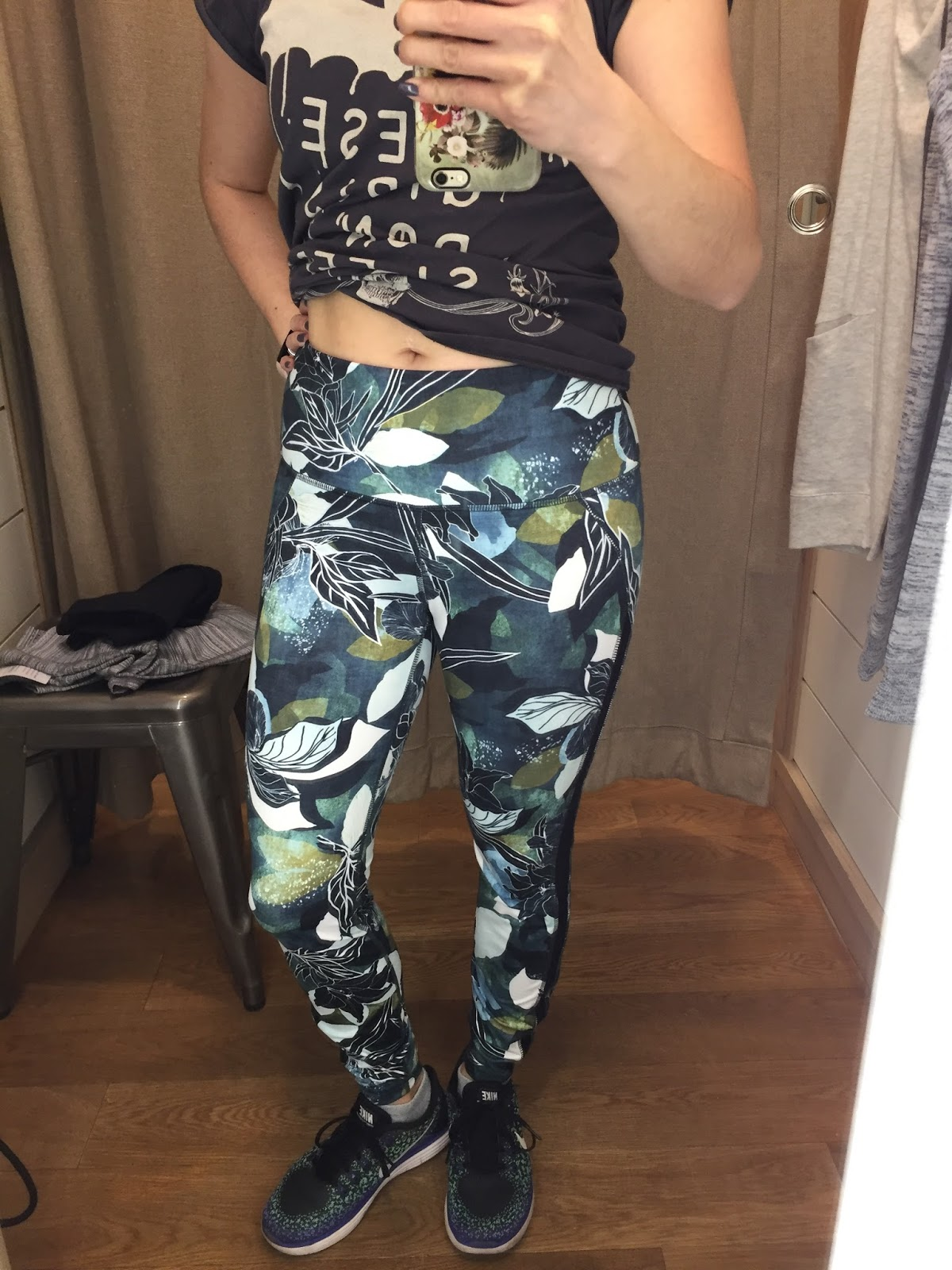 3aab5c13a1507 Petite Impact: Fit Review Friday! Athleta Try Ons! Salutation Capri ...