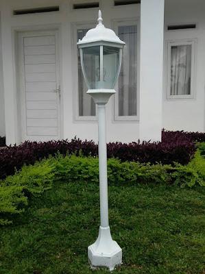 tiang lampu taman cantik