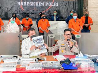 """Polri Ungkap Isi Percakapan Whatsapp """"KAMI Medan"""""""